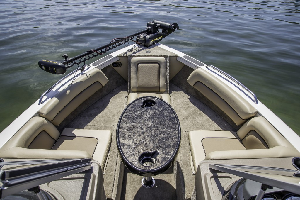 lo_sportfish-2150-sst-bow-table.jpg